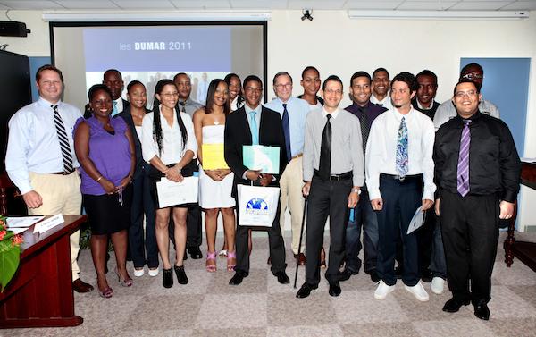 L'UAG et le groupe GBH remettent les premiers Diplômes Universitaires de Manager de Rayon