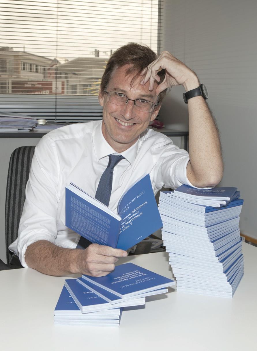 Un petit Livre Bleu pour ouvrir les esprits