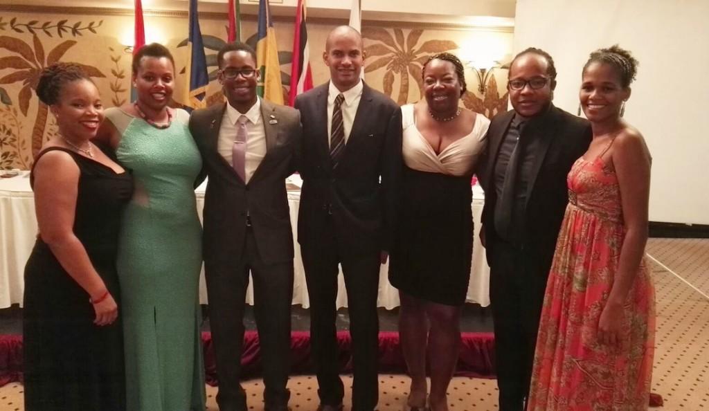 Membres de la Jeune Chambre Economique, qui contribue à faciliter le retour au péyi