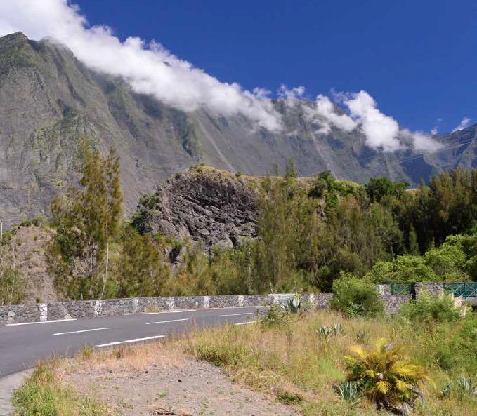 Dossier Transport : comment se déplacer à la Réunion ?