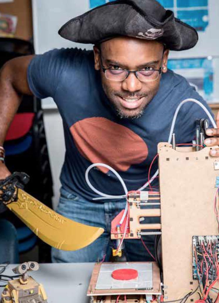 Le FabLab de Jarry transforme le déchet plastique en objet utile