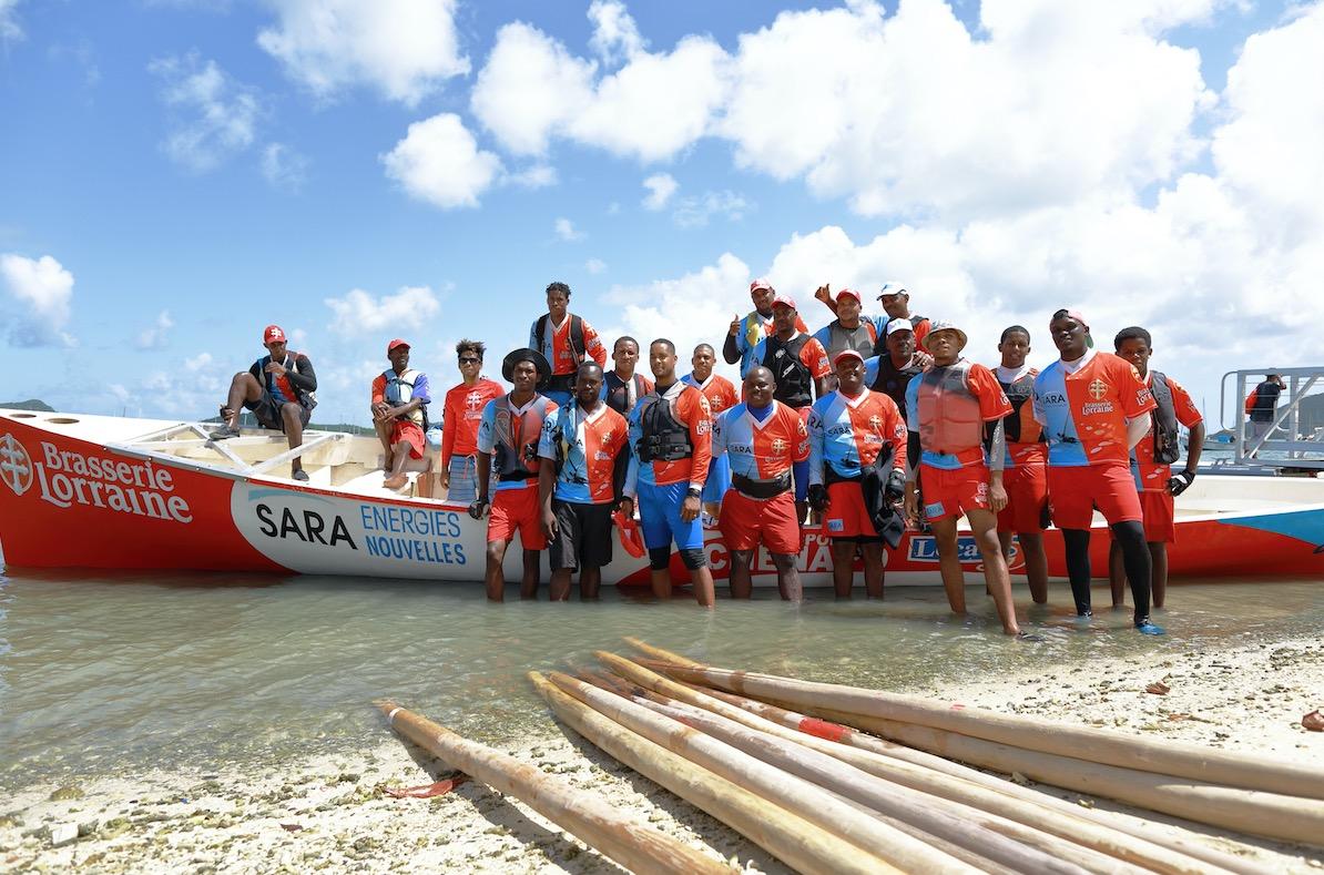 Dossier nautisme : yoles, la SARA 1er bwa dressé de la tradition