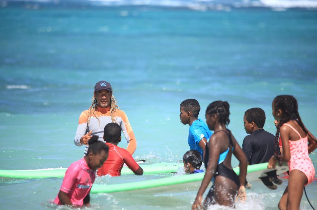 Poyo surf club : à la recherche de plus belles vagues