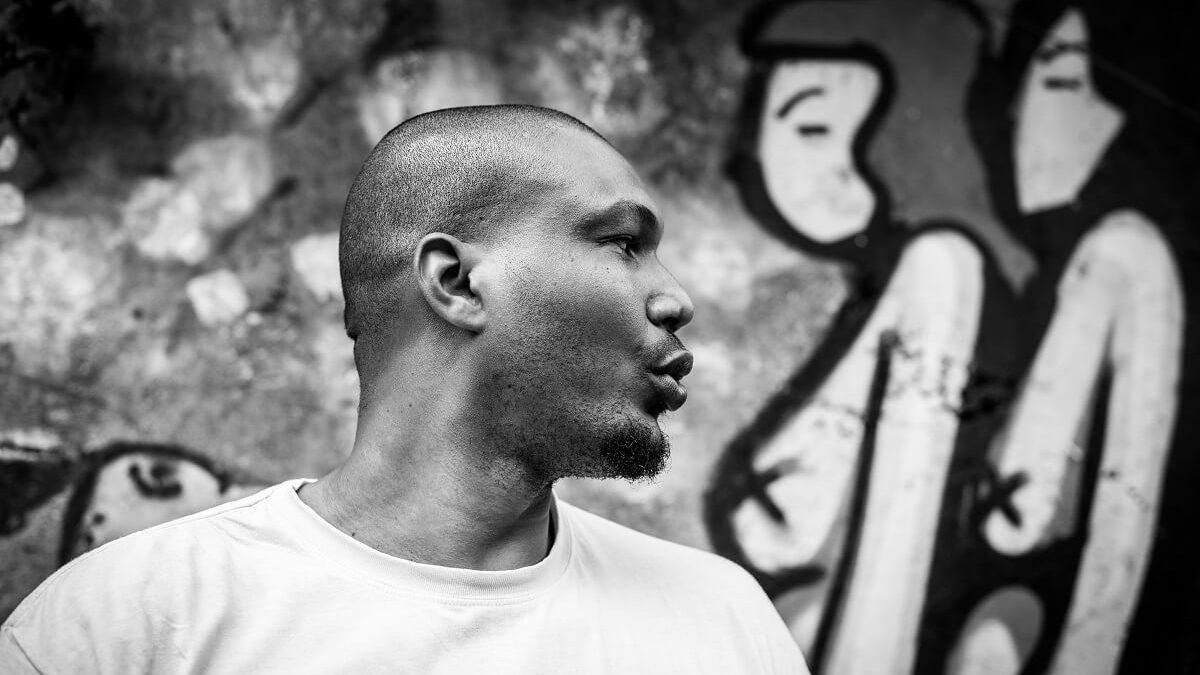 À la rencontre de Rony Lacréole, graffeur des Caraïbes