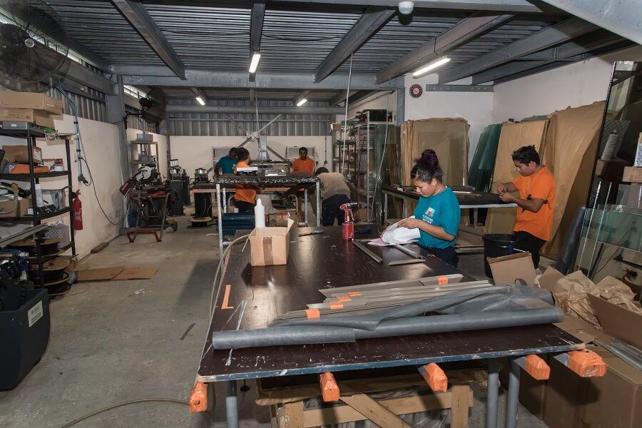 Atelier de menuiserie de MG Aluminium