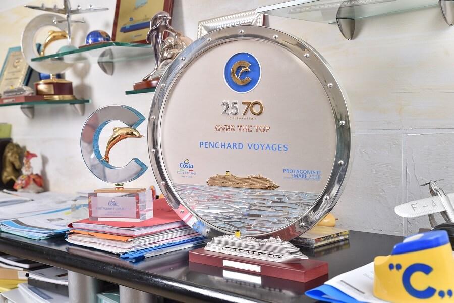 Trophée Over the top attribué à l'agence de voyages Pencharg Voyages Guadeloupe