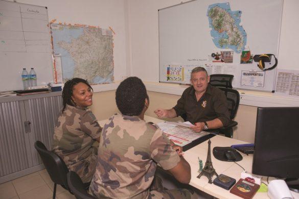 Apprentis du RSMA avec Renaud Bellicaud, responsable de l'insertion