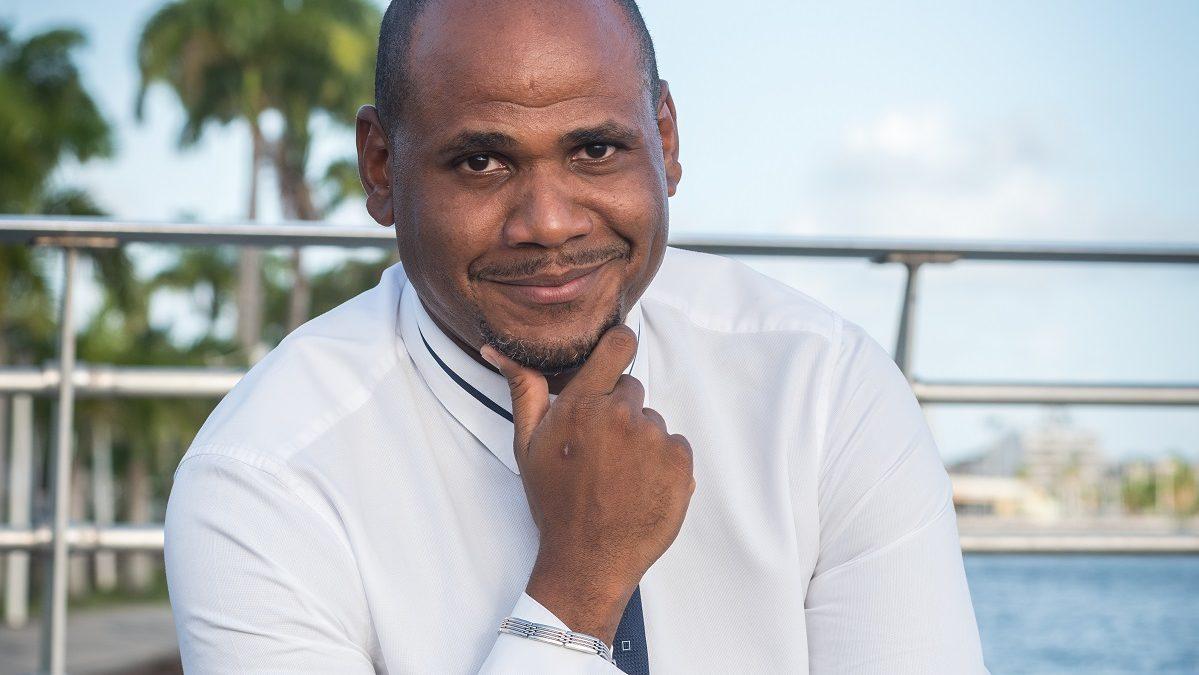 Réflex' Guadeloupe, l'invitation au débat de société
