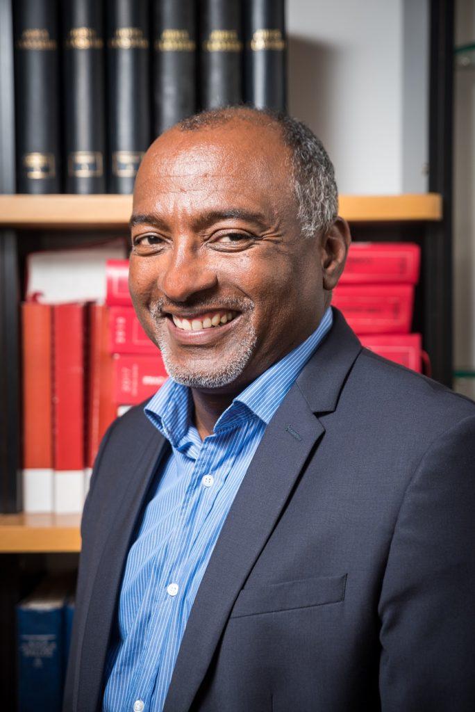 Avocat Louis Raphael Morton du cabinet Morton et Associés, spécialiste du droit public