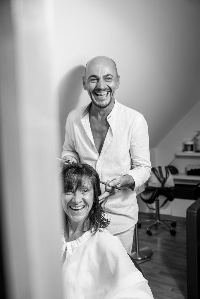 Dans le salon New Hair, du coiffeur thérapeute Romain Renaud