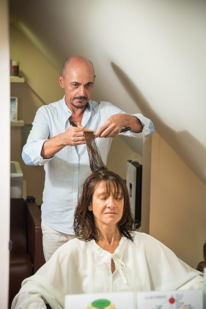 Coupe énergétique vibratoire réalisée au salon de coiffure New Hair à Jarry