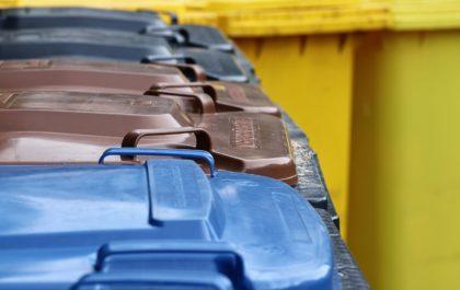 Poubelles de collecte des déchets ménagers