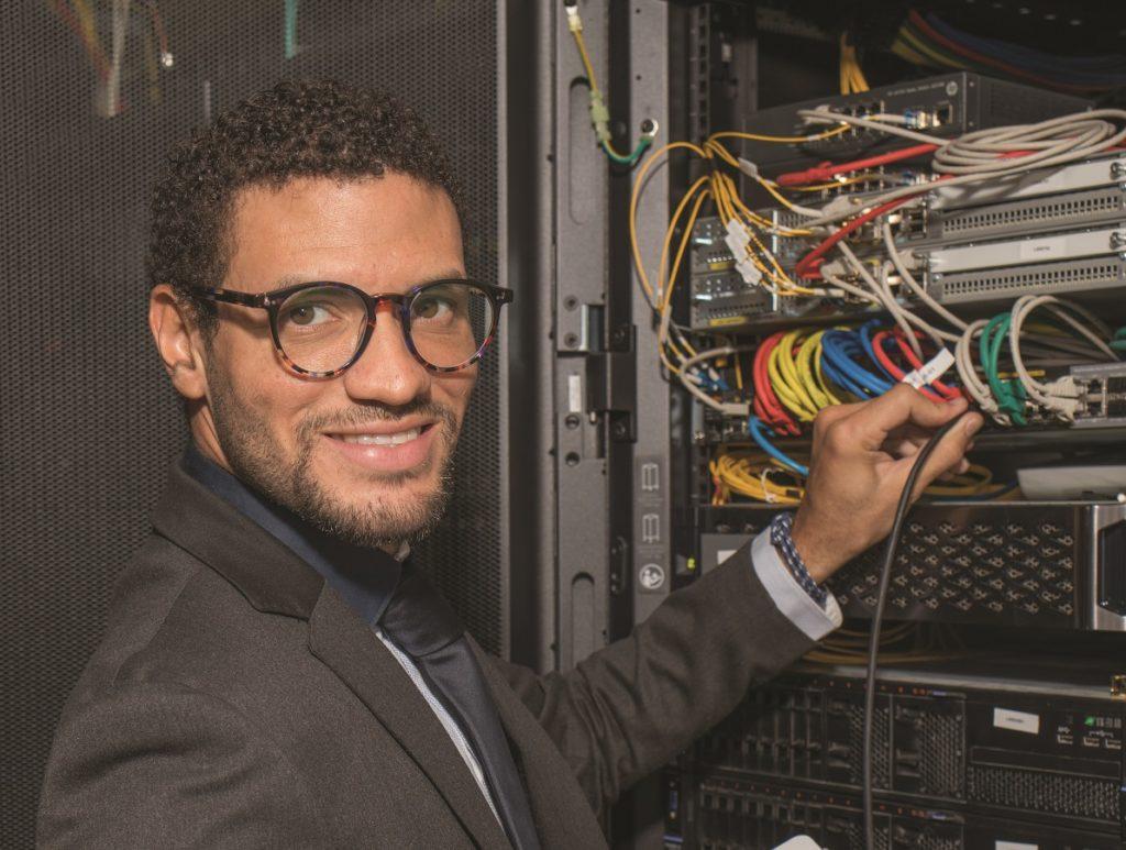 Jonathan Pamphile, créateur de la box Internet aBee