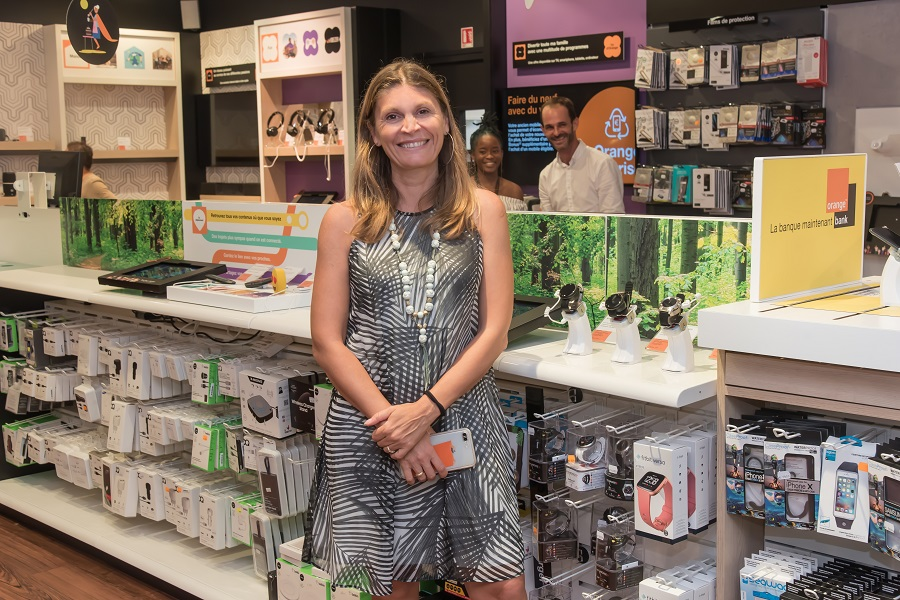 Cristiana Penella d'Orange Guyane dans une boutique Smart Store Touch