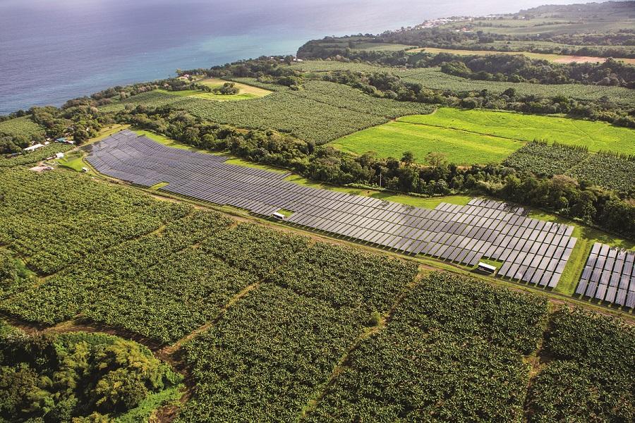 Centrale de panneaux solaires Outre-mer