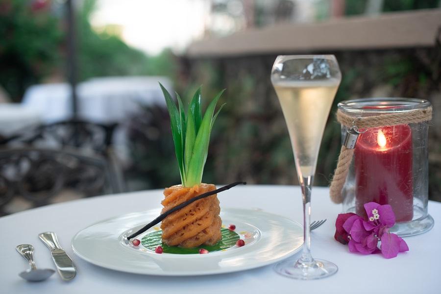 ananas rôti au restaurant de l'hôtel Le Relais du Moulin