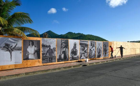 Exposition en plein air du projet photographique de Guillaume Coelho à Saint-Martin
