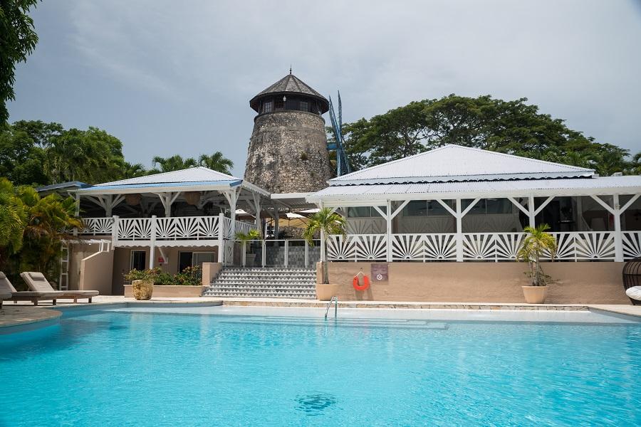 Piscine de l'hôtel Le Relais du Moulin en Guadeloupe
