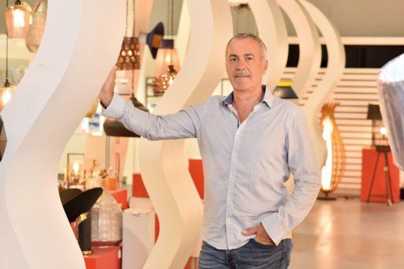 Anthony Jaunasse, créateur de Trend Concept, aménagement d'espaces commerciaux