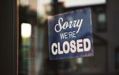 Signe de fermeture de l'entreprise - photo via Unsplash
