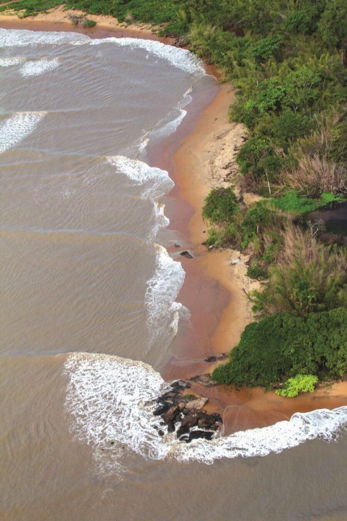 Route des plages vue du ciel en ULM en Guyane