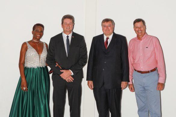 Rudolf Sperl, nouveau consul honoraire d'Allemagne en compagnie de sa femme, Bruno Blandin et Pascal Hector