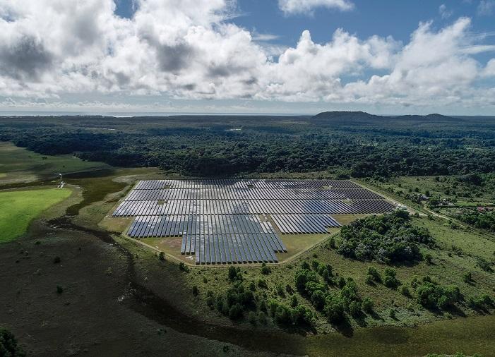 Centrale photovoltaique d'Albioma en Guyane