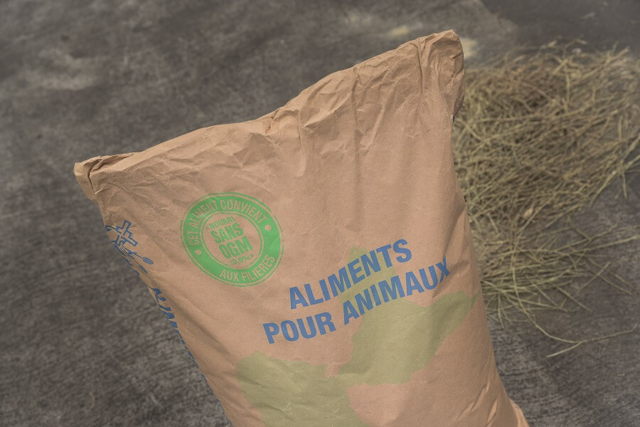 Sac aliments pour animaux sans OGM - usine GMA - Guadeloupe