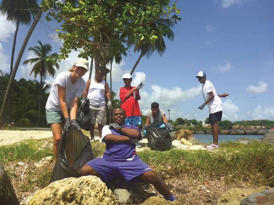 Participants à la Journée régionale de Nettoyage 2019 en Guadeloupe