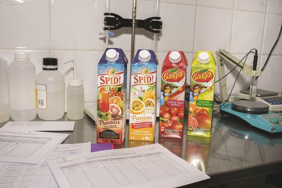 Briques de jus de fruit Banga et concentrés de fruits Spid !
