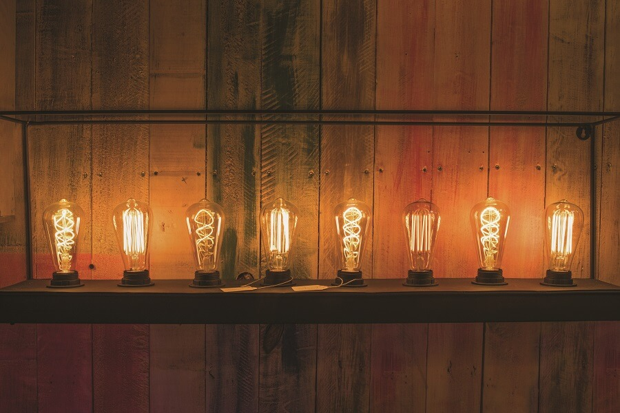 Ampoules proposées au showroom Mille Eclats de Blandin