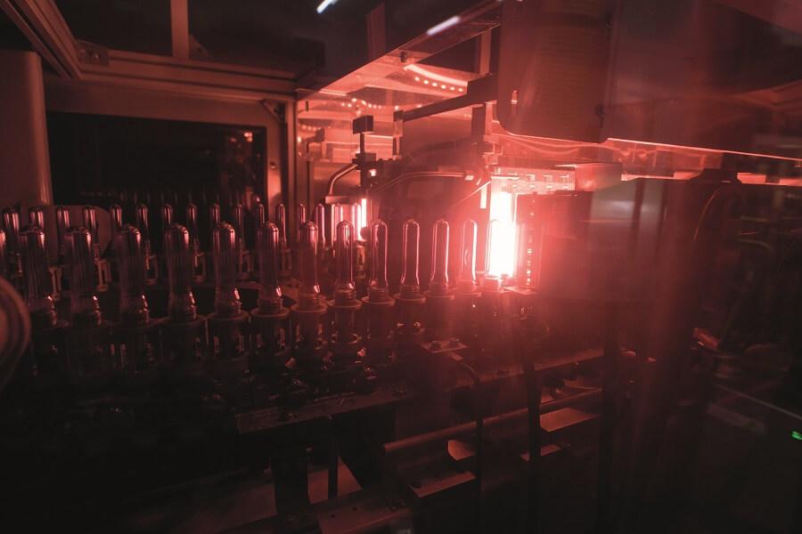 Eau Karuline à l'usine