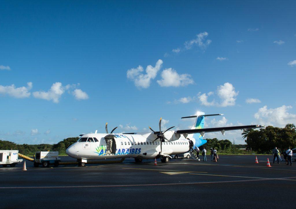 Avion d'Air Caraibes sur le tarmac