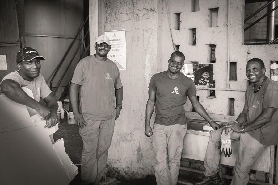 Employés de la distillerie Bologne