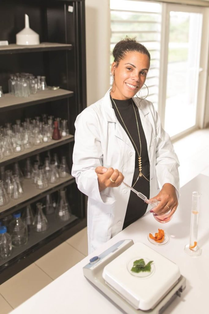 Mariane Royer - laboratoire d'éco-extraction Bio Stratege Guyane