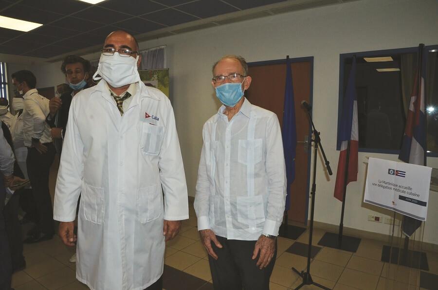 Alfred Marie-Jeanne et un médecin cubain