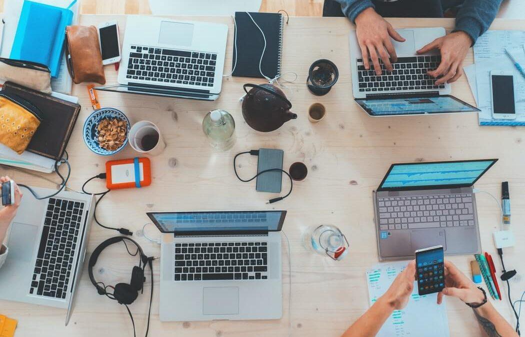 L'entreprise 2.0 : réseaux sociaux, RH 2.0 et flexi-management