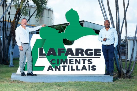 Enseigne Lafarge Ciment Antilles