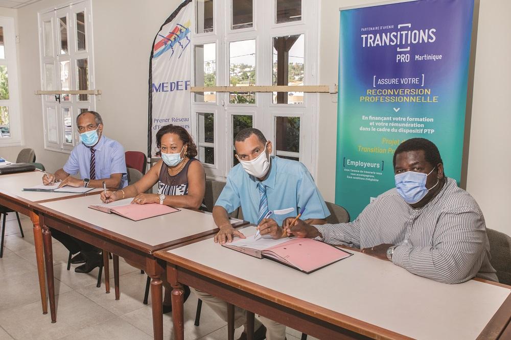Signature de la convention Transitions Collectives en Martinique